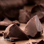 7 Reasons To Eat Dark Chocolate Regularly
