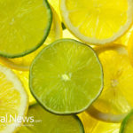 5min Recipe: Detoxifying Lemon Water